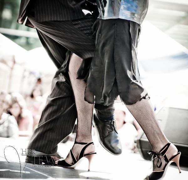 tango dancers feet